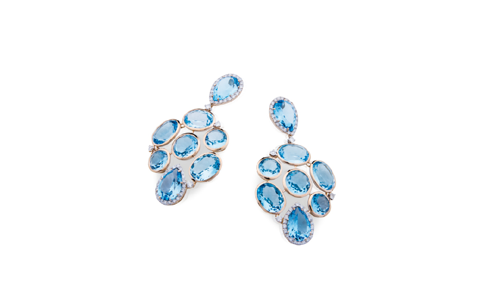 <p>18kt pink gold earrings with blue topaz and diamonds</p>