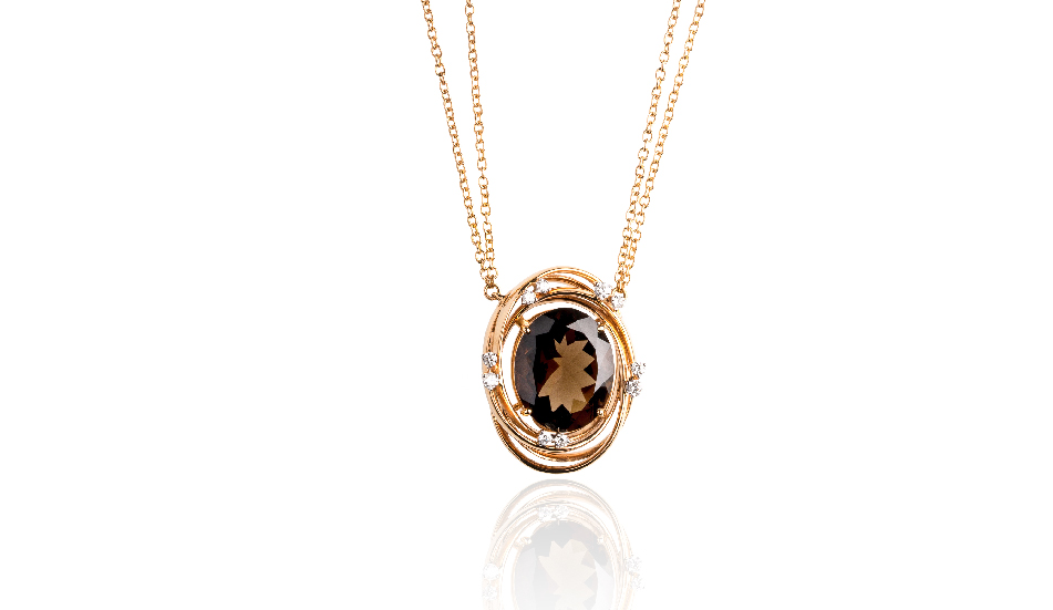 <p>18kt pink gold pendant with smoky quartz and diamonds</p>