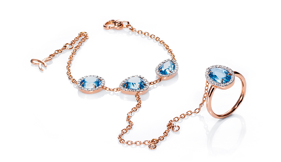 <p>18kt pink gold Bracelet-ring with blue topaz and white diamonds</p>